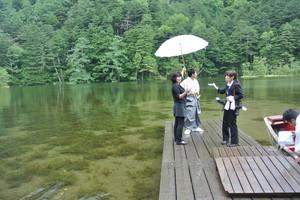 DSC_4297雨の田代池での結婚式.jpg